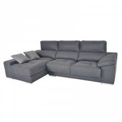 Sofá modelo Saboy 3 plazas con chaise longue  patas metálicas cuadradas con opción de arcón color gris.